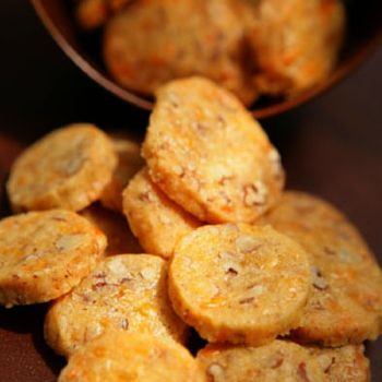 Holiday-cocktails-cheddar-cheese-coins-af